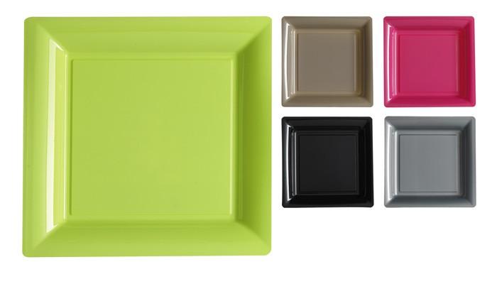 Assiettes carrées couleur en plastique